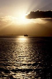 Favoloso tramonto da una delle isole delle Egadi
