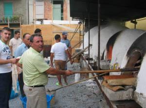 Forni tipici per cuninare la capra al forno -- foto: Vincenzo Raneri