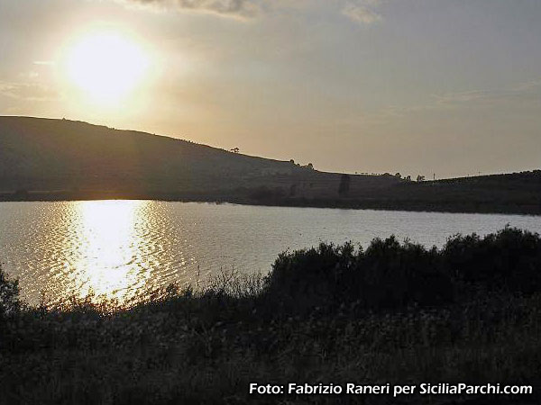 Speciale laghi di sicilia sicilia for Progetto laghetto artificiale
